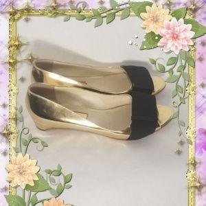 🎊PRICE DROP🎊Rupert Sanderson Gold Flats